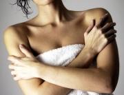 mellkas-pattanas-akne-kozmetikai-kezeles
