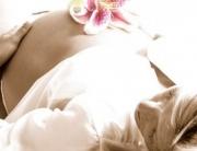 terhesseg-szules-gyantazas-gyata-brazilgyanta-fazongyanta-intimgyanta-intimkozmetika-kozmetika-kozmetikus-kozmetikai-bikini-budapest-e1351427472814[1]